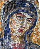 Grafsteen in mozaiek met Madonna